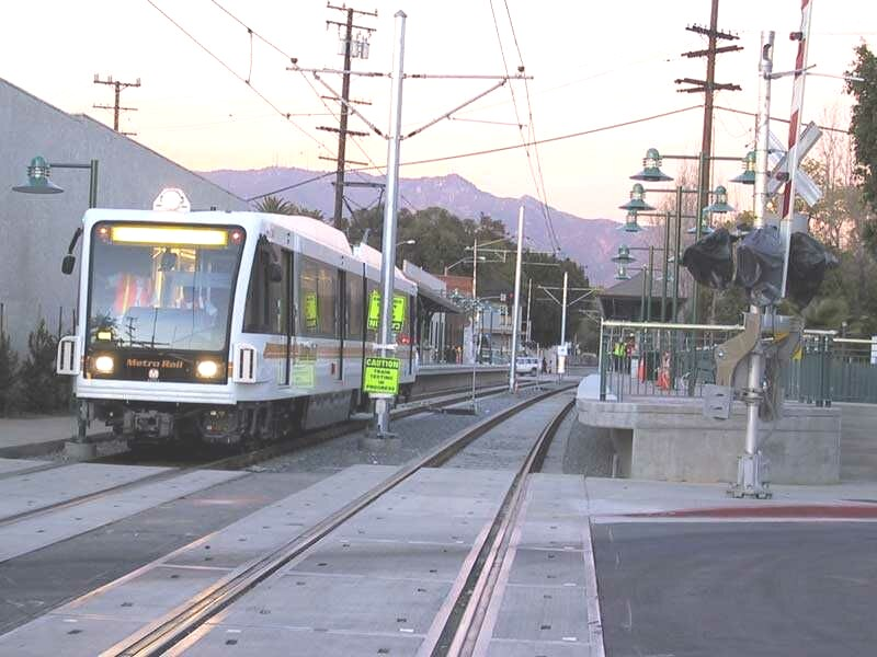 Picture of Gold Line Train