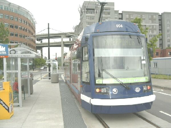 Portland Streetcar, River Place station
